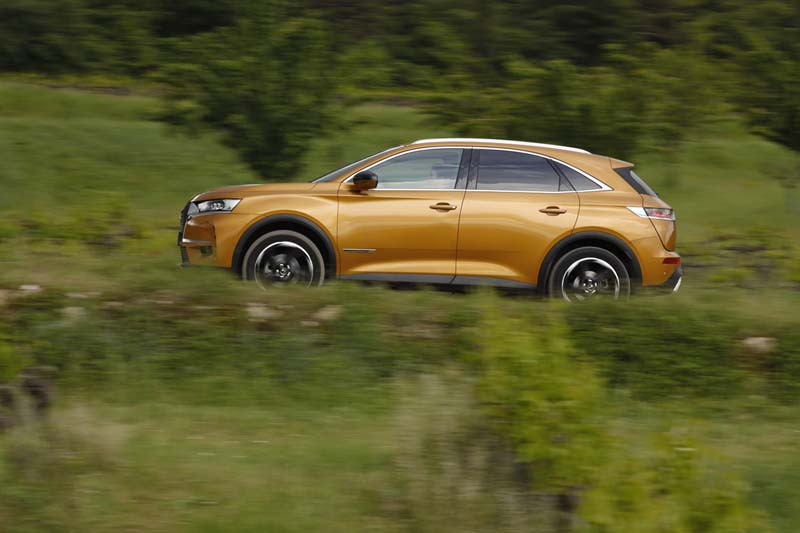 DS 7 Crossback, foto lateral