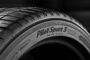 Neumático deportivo