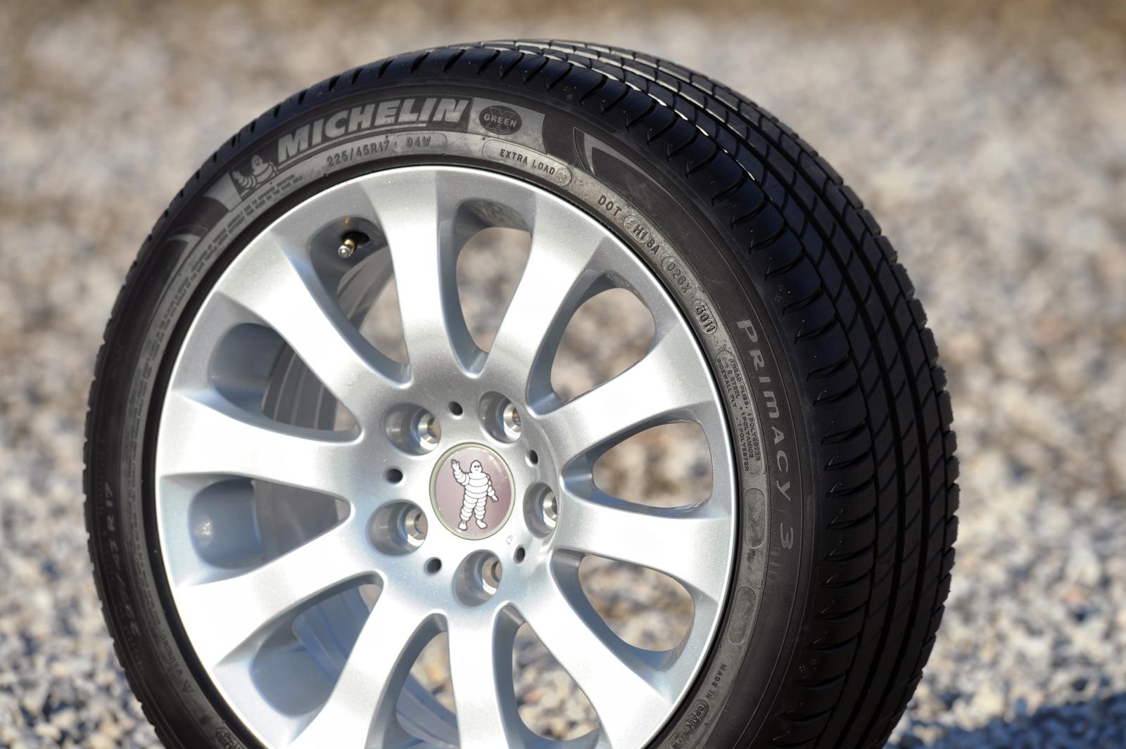 Foto michelin primacy 3 50 neumaticos michelin for Maceteros con ruedas de coche