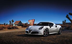 Foto Perfil Alfa Romeo 4c Cupe 2013