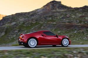 Foto Exteriores (11) Alfa Romeo 4c Cupe 2013