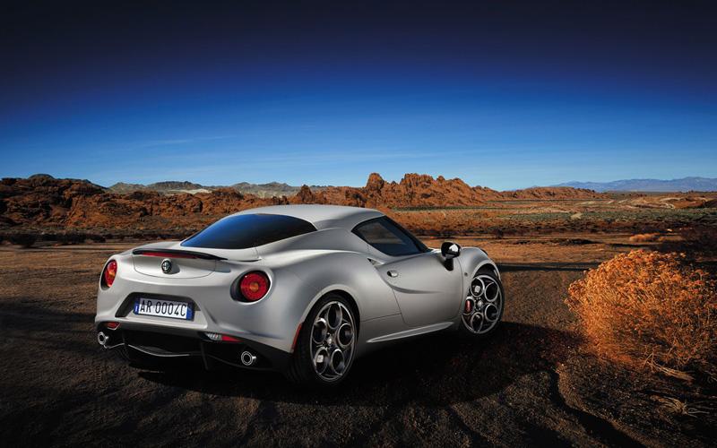 Foto Exteriores(2) Alfa Romeo 4c Cupe 2014
