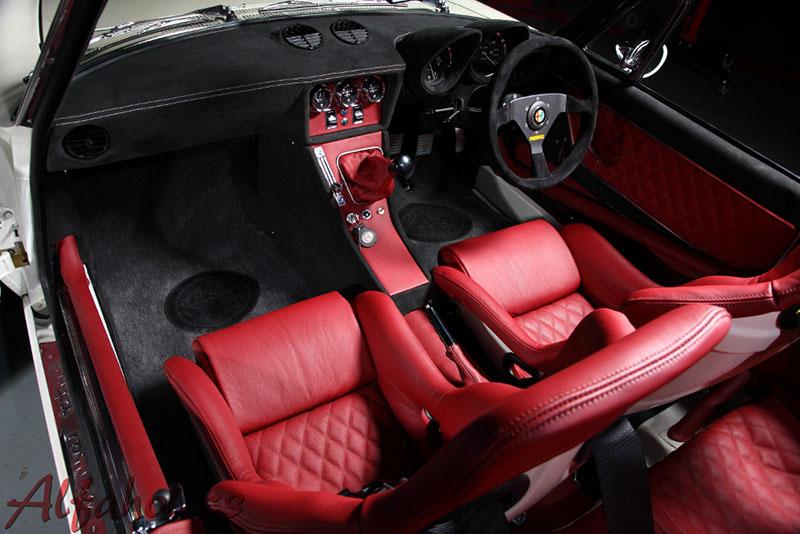 Foto Interiores Alfa Romeo Alfaholics Spider R 007 Descapotable 2016