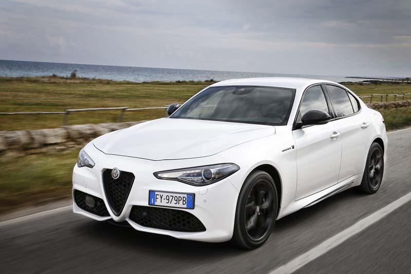 Foto Exteriores (2) Alfa Romeo Giulia Sedan 2020