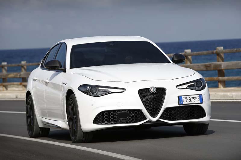Foto Exteriores (3) Alfa Romeo Giulia Sedan 2020