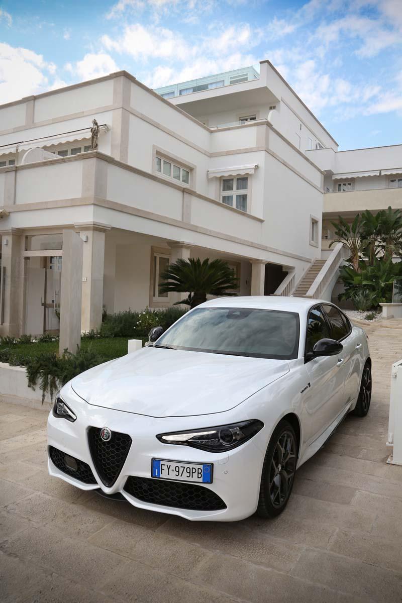 Foto Exteriores (9) Alfa Romeo Giulia Sedan 2020