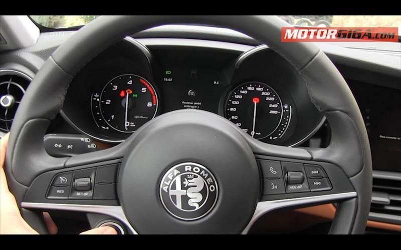 Foto Detalles Alfa Romeo Giulia Prueba Sedan 2016