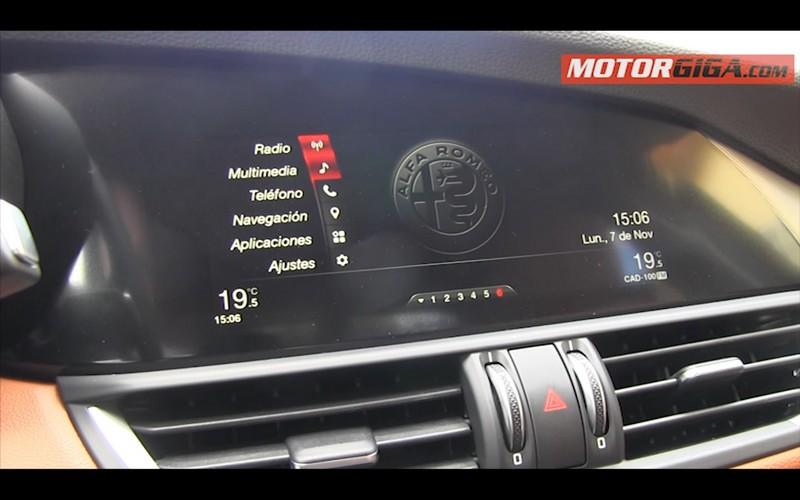 Foto Interiores Alfa Romeo Giulia Prueba Sedan 2016