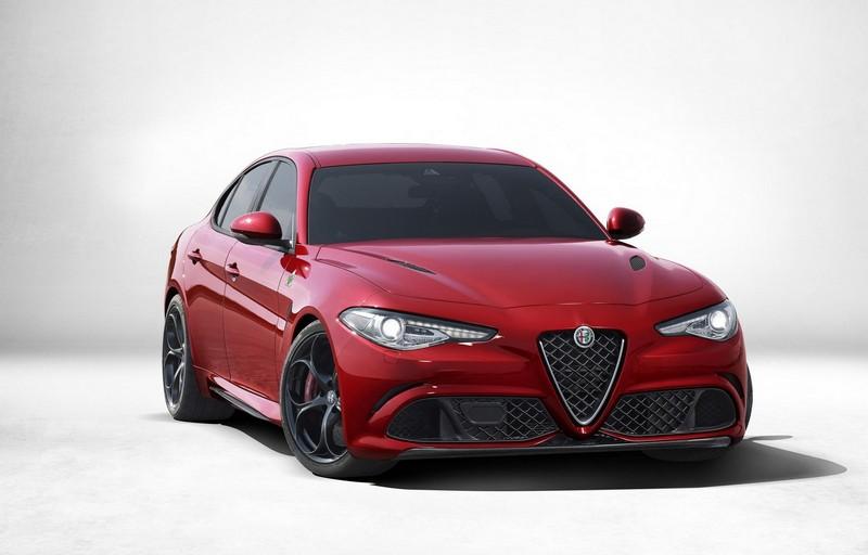 Foto Exteriores Alfa Romeo Giulia Quadrifoglio Sedan 2016