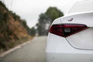 Foto Detalles(4) Alfa Romeo Giulia-veloce Sedan 2017