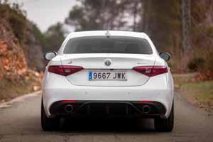 Foto Exteriores(6) Alfa Romeo Giulia-veloce Sedan 2017