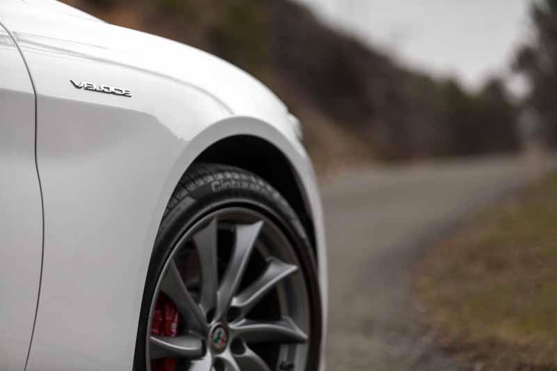 Foto Detalles(3) Alfa Romeo Giulia Veloce Sedan 2017