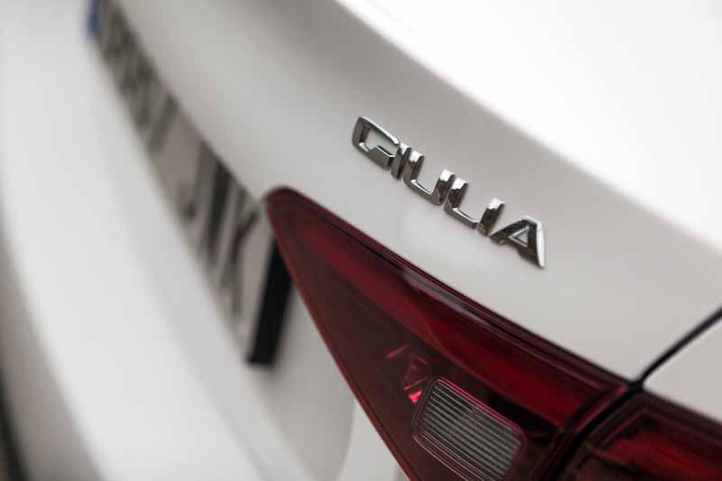Foto Detalles(35) Alfa Romeo Giulia Veloce Sedan 2017