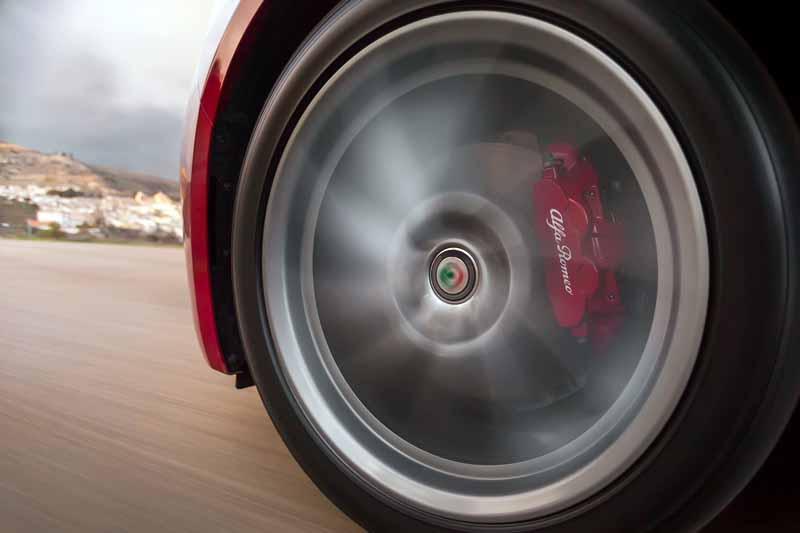 Foto Detalles(42) Alfa Romeo Giulia Veloce Sedan 2017