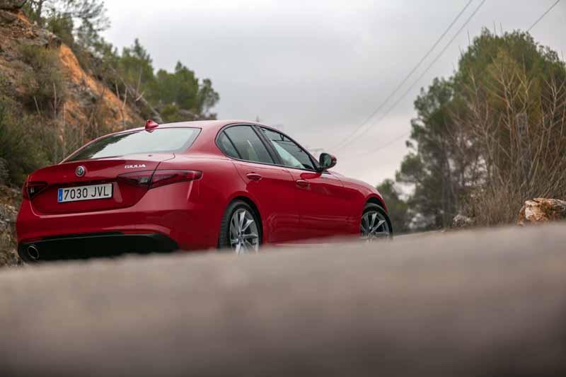 Foto Exteriores(7) Alfa Romeo Giulia Veloce Sedan 2017