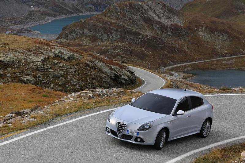 Foto Exteriores Alfa Romeo Giulietta Dos Volumenes 2013