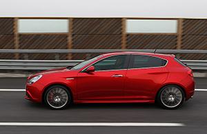 Foto Perfil Alfa Romeo Giulietta-tct-dos-volumenes 2012