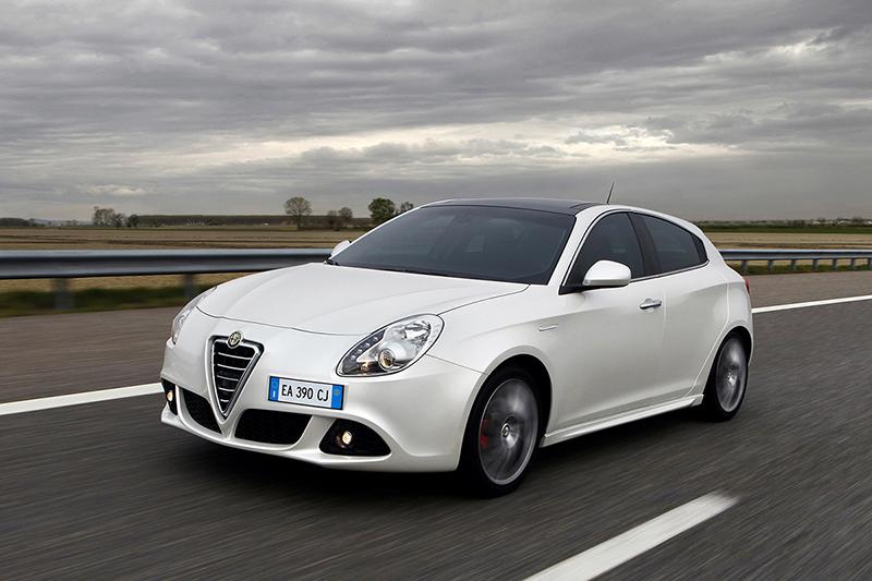 Foto Delantera Alfa Romeo Giulietta-tct-dos-volumenes 2012