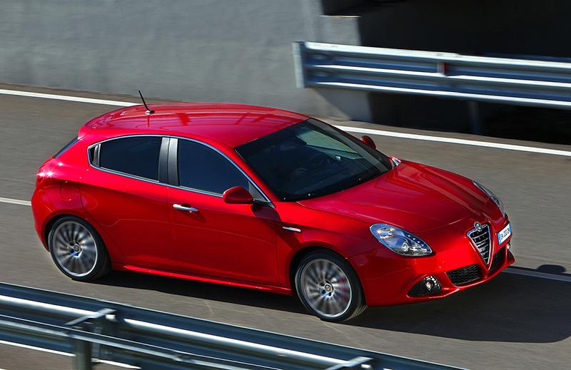 Foto Lateral Alfa Romeo Giulietta Tct Dos Volumenes 2012