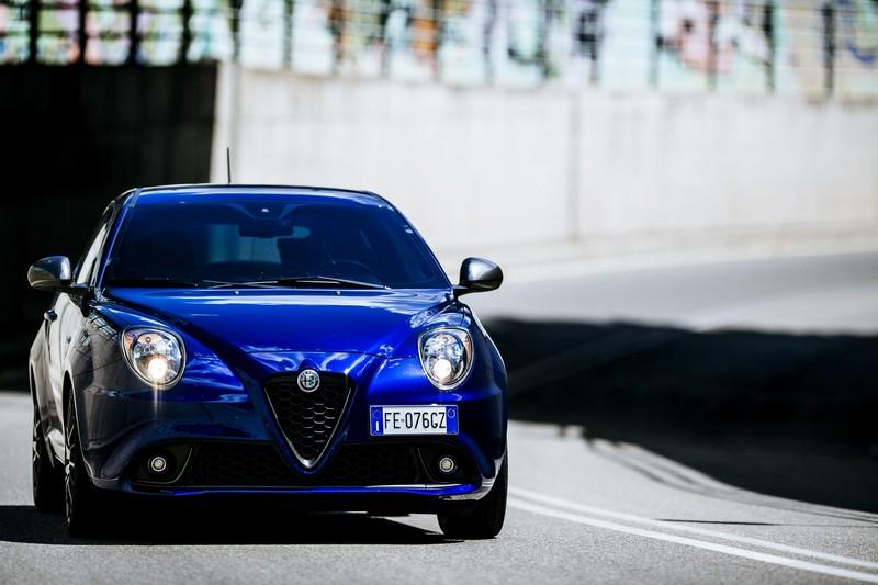 Foto Delantera Alfa Romeo Mito Dos Volumenes 2016