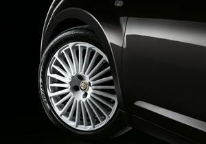 Foto Detalles (2) Alfa Romeo Mito-junior Dos Volumenes 2014
