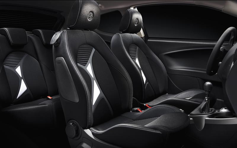 Foto Interiores Alfa Romeo Mito Junior Dos Volumenes 2014