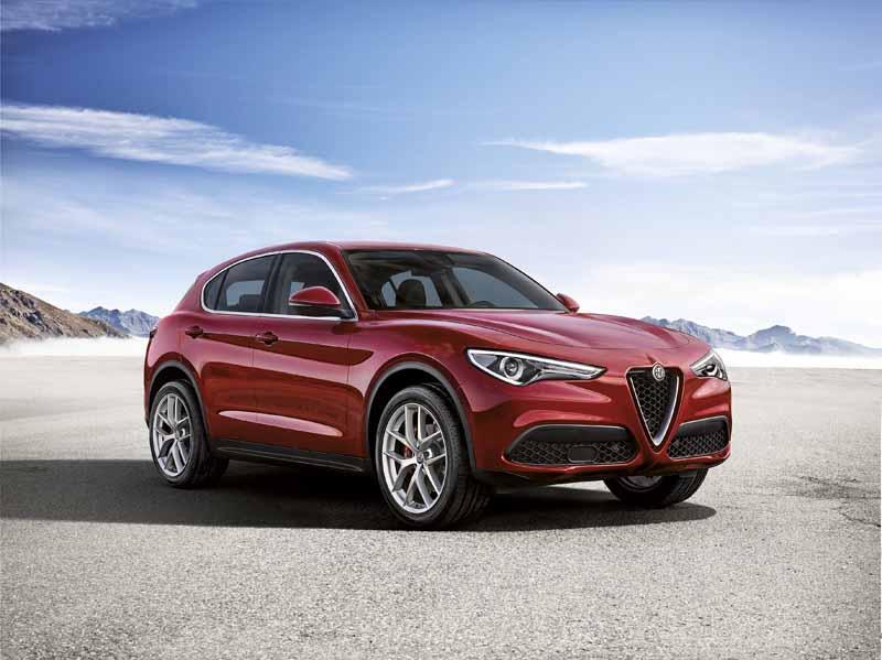 Foto Delantera Alfa Romeo Stelvio Suv Todocamino 2017