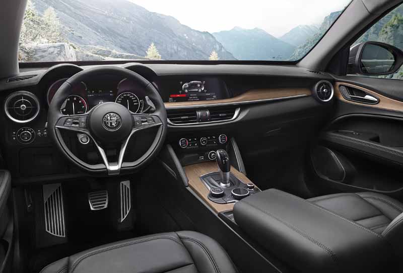 Foto Interiores Alfa Romeo Stelvio Suv Todocamino 2017