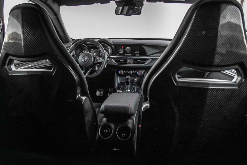 Alfa Romeo Stelvio Quadrifoglio, foto interior
