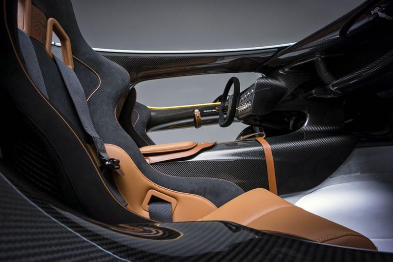 Foto Salpicadero Aston Martin Cc100 Cupe 2013
