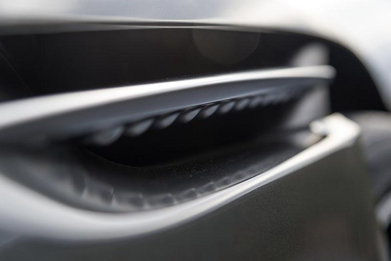 Foto Detalles Aston Martin Db 11 Cupe 2016