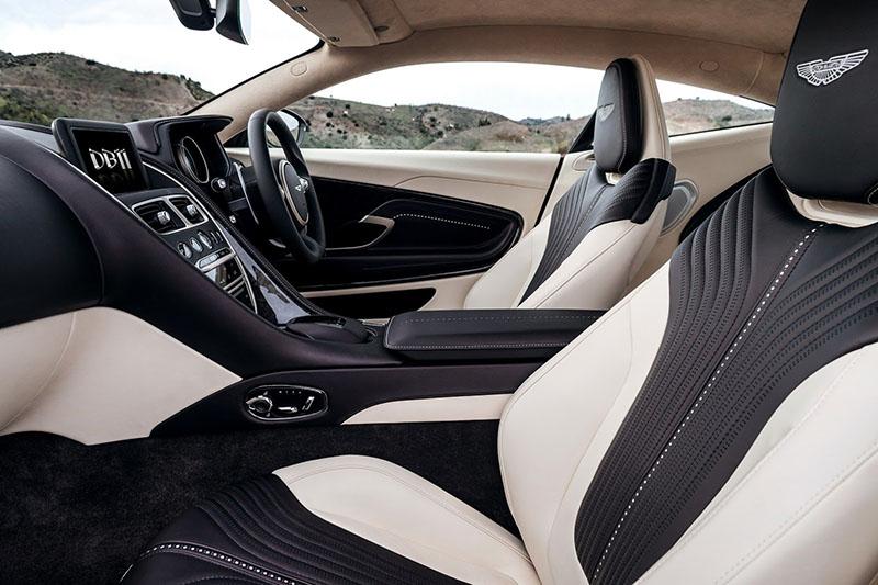 Habitáculo Aston Martin DB11
