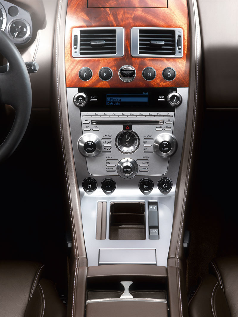 Foto Interiores Aston Martin Db9 Cupe 2010