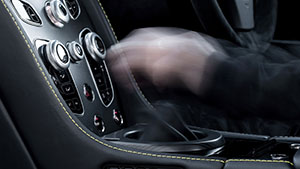 Foto Detalles (2) Aston Martin V12-vantage-s Cupe 2016