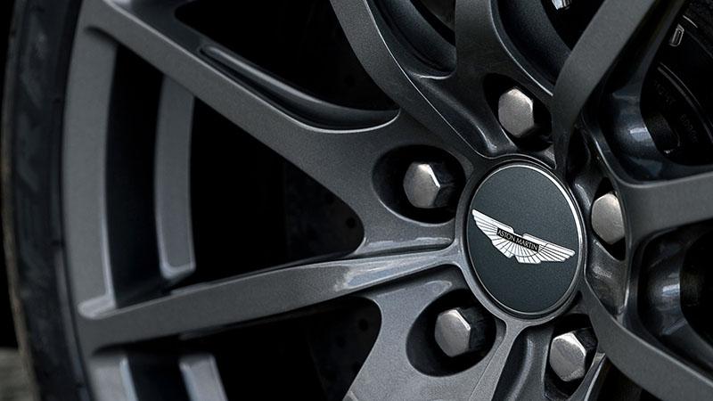 Foto Detalles Aston Martin V12 Vantage S Cupe 2016