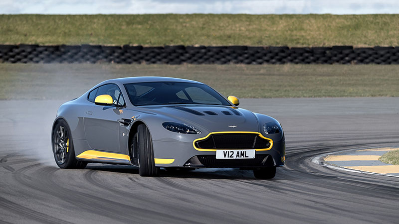 Foto Exteriores Aston Martin V12 Vantage S Cupe 2016