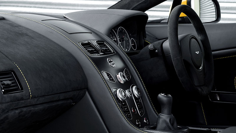 Foto Interiores Aston Martin V12 Vantage S Cupe 2016