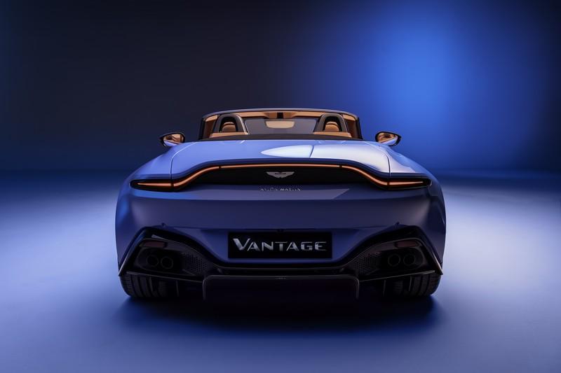 Foto Trasera Aston Martin Vantage Roadster Descapotable 2020