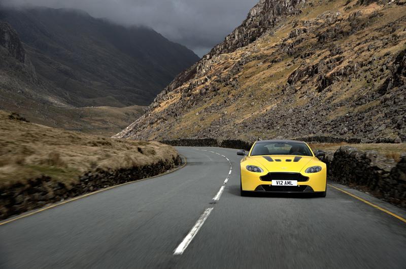 Foto Delantera Aston Martin Vantage S Cupe 2013