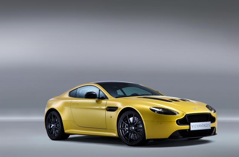 Foto Perfil Aston Martin Vantage S Cupe 2013