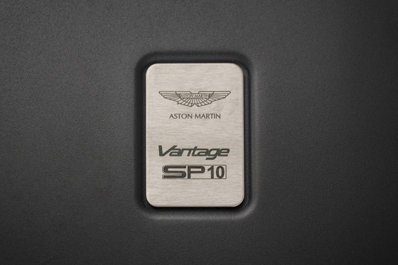 Foto Detalles (6) Aston Martin Vantage-sp10 Cupe 2013