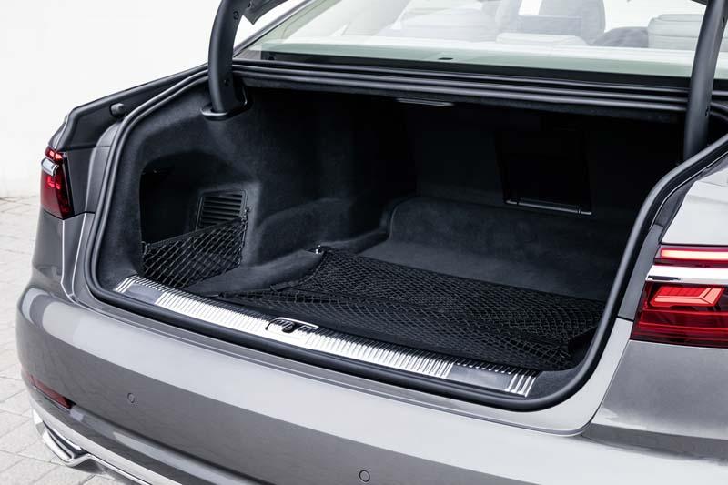 Audi A8 50 TDI, foto maletero