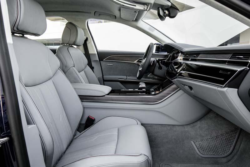 Audi A8 50 TDI, foto asientos delanteros