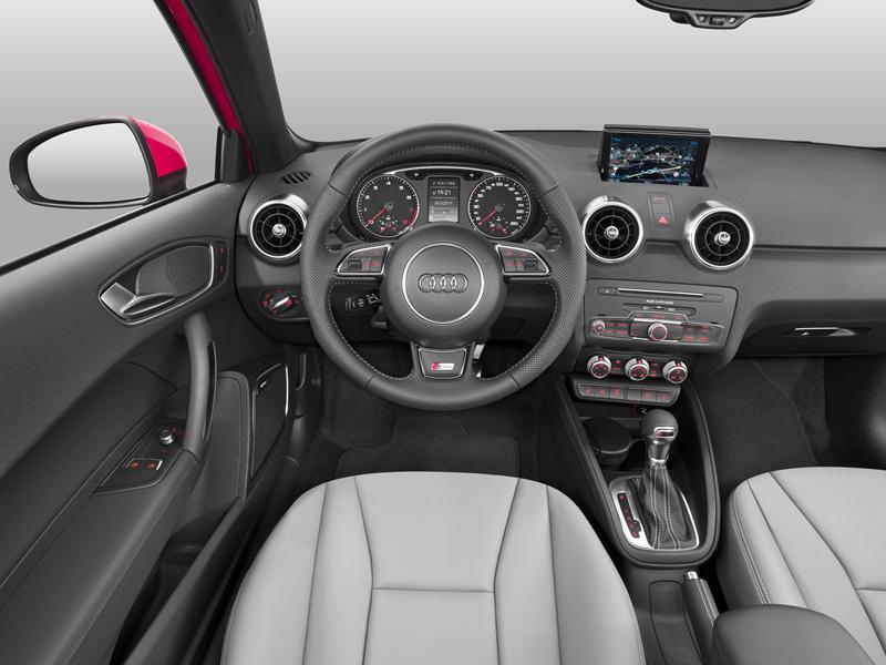 Foto Salpicadero Audi A1 Dos Volumenes 2015