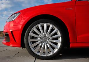 Foto Detalles 3 Audi A3-e-tron Dos Volumenes 2015