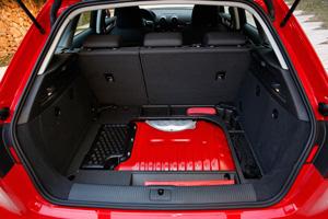 Foto Interiores 2 Audi A3-e-tron Dos Volumenes 2015