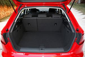 Foto Interiores 3 Audi A3-e-tron Dos Volumenes 2015