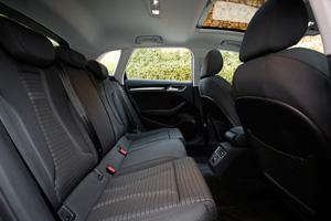Foto Interiores 4 Audi A3-e-tron Dos Volumenes 2015