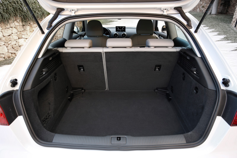 Foto Interiores Audi A3 Ultra Dos Volumenes 2015