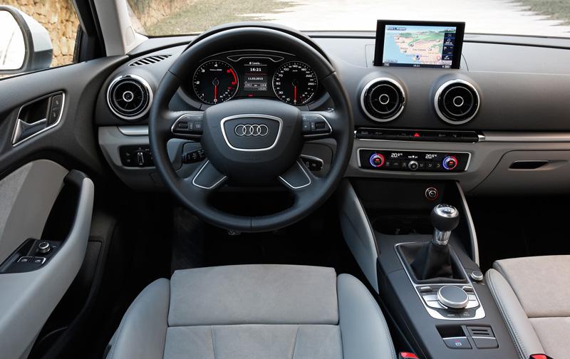 Foto Salpicadero Audi A3 Ultra Dos Volumenes 2015